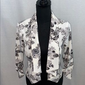 NWT Guess blank & white floral blazer, open front